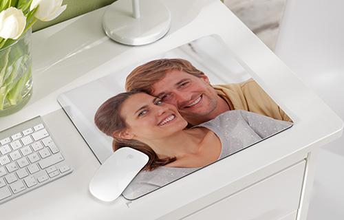 Mit einem Mousepad un dem Foto Ihrer Familie schaffen Sie sich eine Auszeit im stressigen Arbeitsalltag
