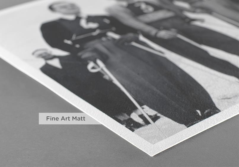 Fine Art Matt hat eine samtähnliche Oberfläche, die sich besonders für Schwarz-Weiss-Aufnahmen eignet